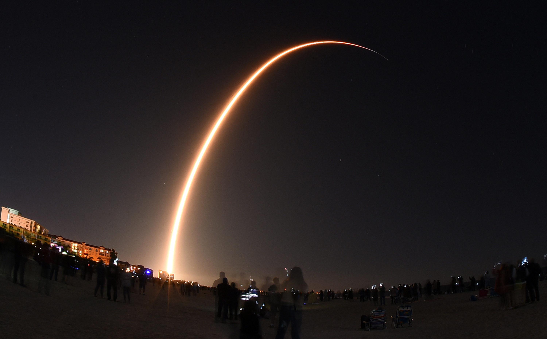 Rival Wants Regulators to Cripple Elon Musk's Satellite Project – The Bulwark